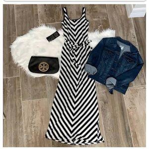 Xs bebe maxi dress all original never worn